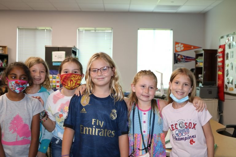 Group of elementary inside class - 2021-2022